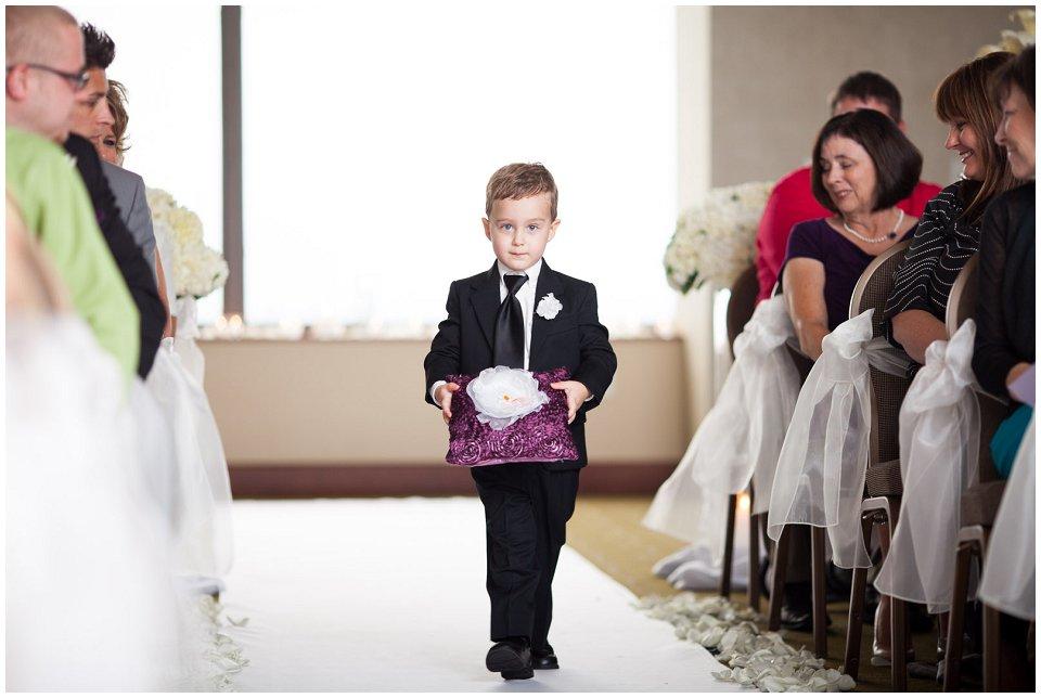 Omaha_Wedding_Doubletree_RobertJeanette14.jpg