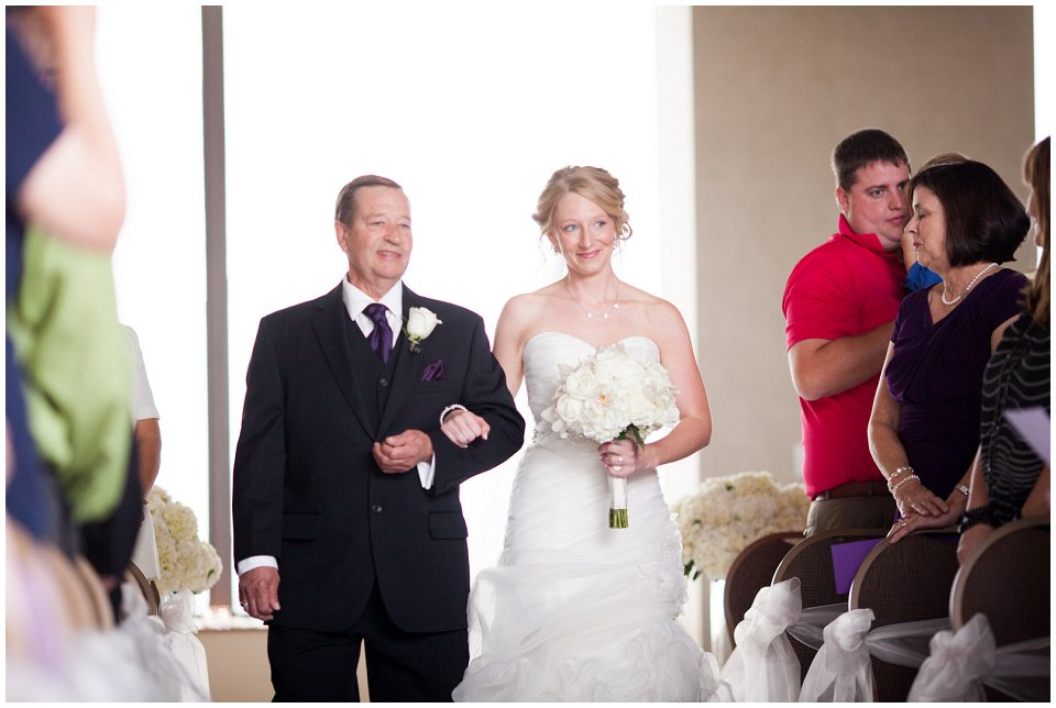 Omaha_Wedding_Doubletree_RobertJeanette16.jpg