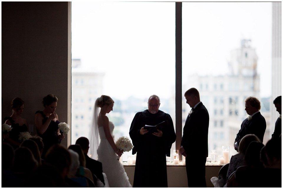 Omaha_Wedding_Doubletree_RobertJeanette18.jpg