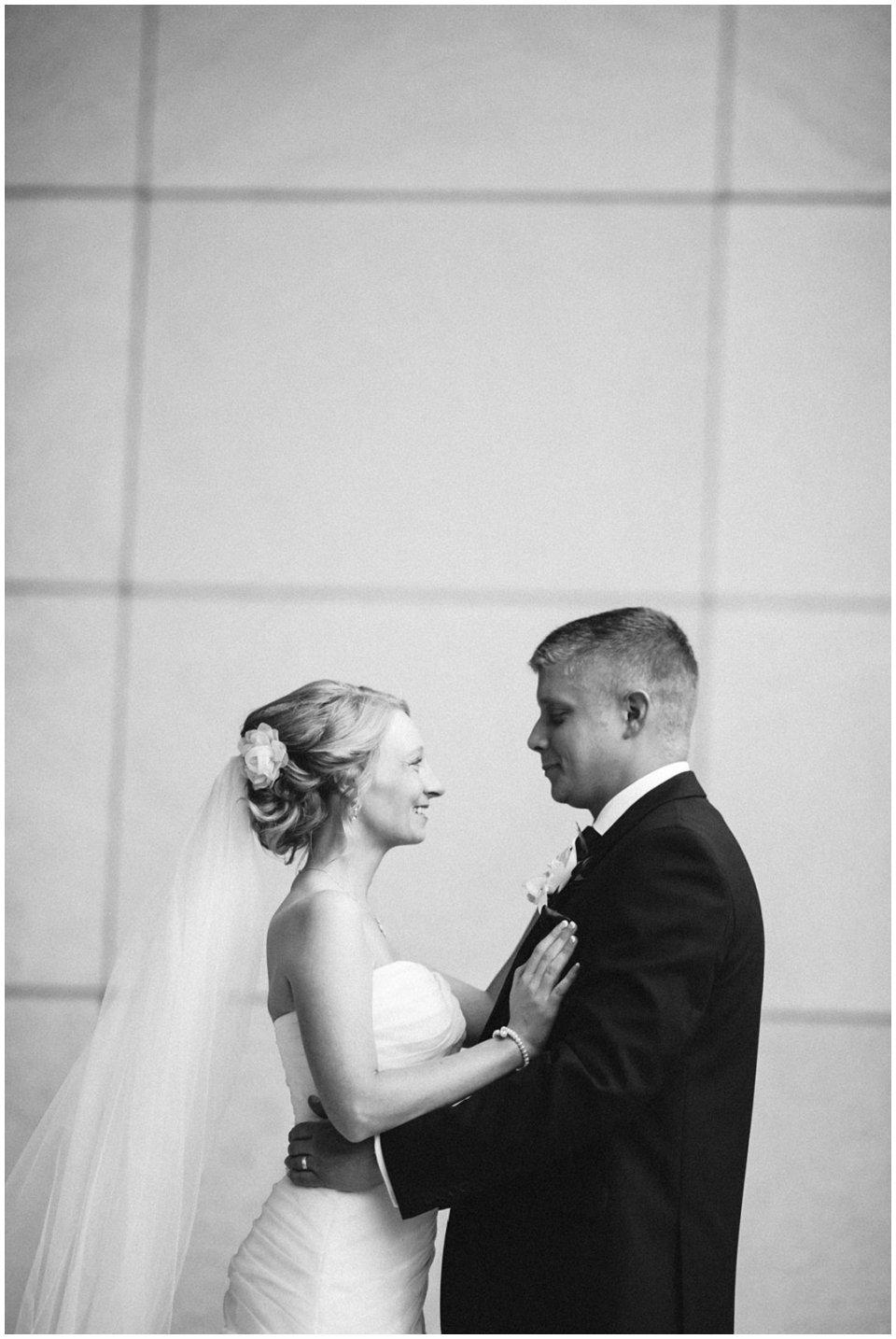 Omaha_Wedding_Doubletree_RobertJeanette26.jpg