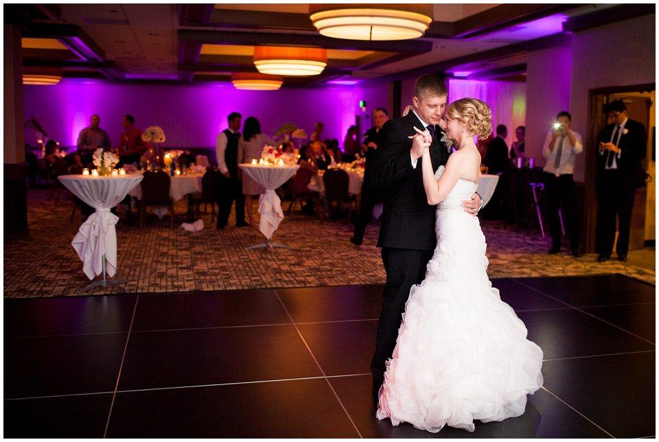 Omaha_Wedding_Doubletree_RobertJeanette51.jpg