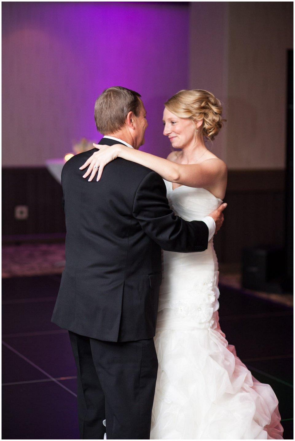 Omaha_Wedding_Doubletree_RobertJeanette53.jpg