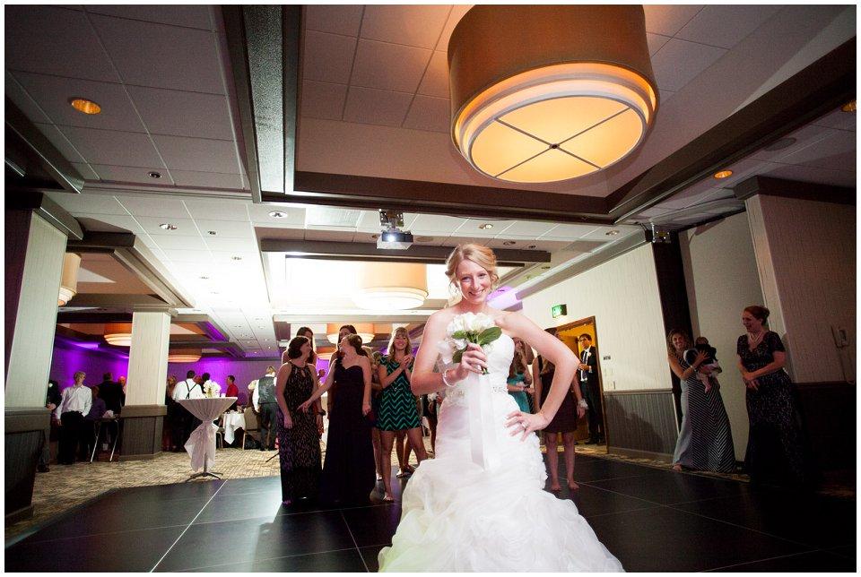 Omaha_Wedding_Doubletree_RobertJeanette56.jpg
