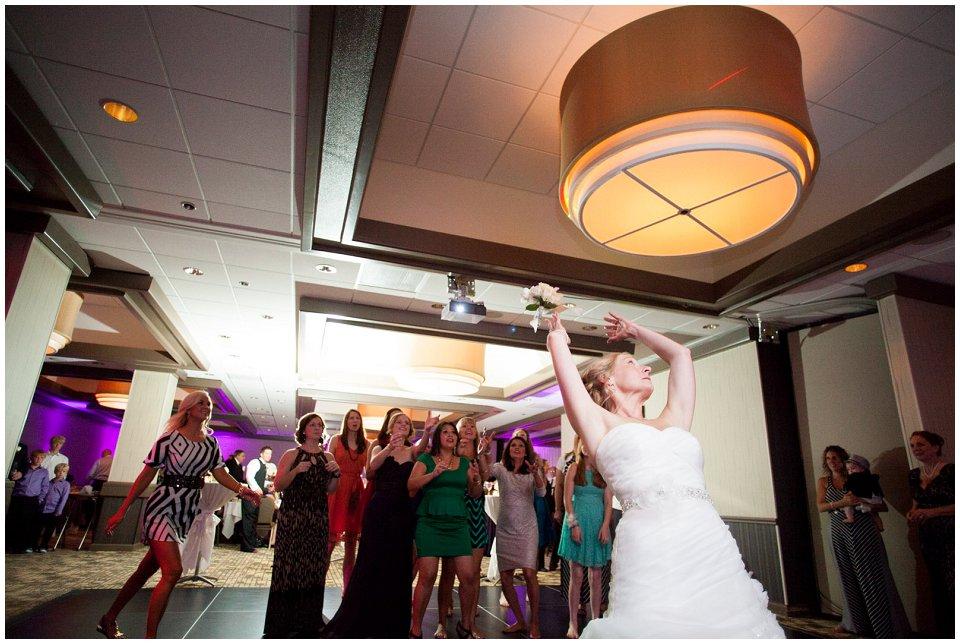 Omaha_Wedding_Doubletree_RobertJeanette57.jpg