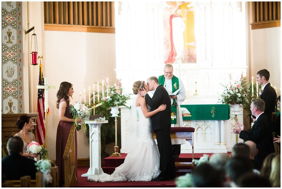 MackenzieJordan-Wedding-035.jpg