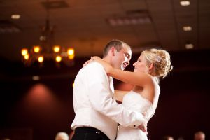 Bride and groom first dance by Omaha wedding photographer