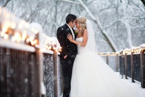 Omaha Wedding Photographers Snow at Fontenelle forest